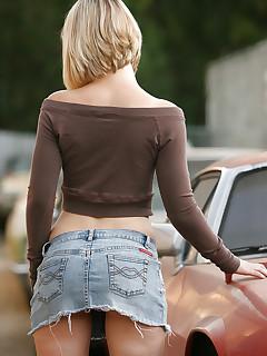 XXX Mini Skirt Girls