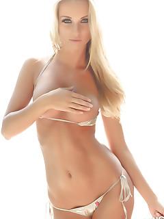 Perfect XXX Bikini Girls