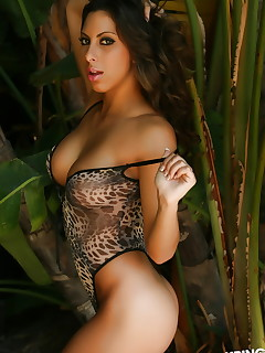 Pics of perfect Latina girls