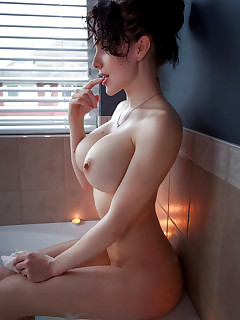 Shaved Nude Pussy Girls