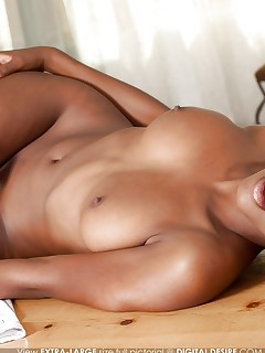 Busty naked girls pics