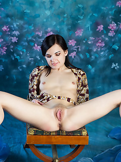 Sexy Babes On Chair Pics
