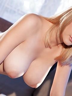 Nude Pierced Girls