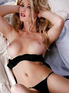 Sexy Lingerie Girls