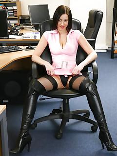 Nude Secretary Girls