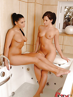 Nude Foot Fetish Girls