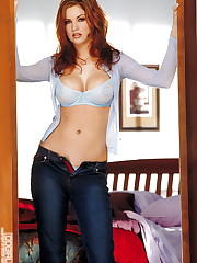 Babe blue bra and pantys with blue jeans