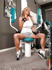 Rachel Aziani gets in a sexy workout while stripping off..