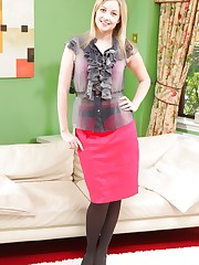 Hot secretary Nikki teases her way out of her uniform..