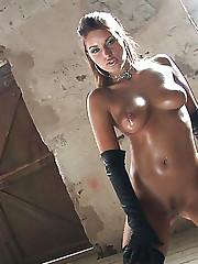 Brunette babe Marketa Brymova dose a striptease dance