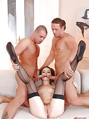 Leona Queen threesome footjob & DP!