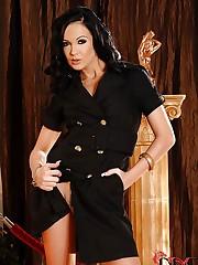 Beautiful babe Regina horny, naked