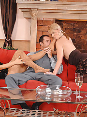 Hot babes in foot fetish threesome