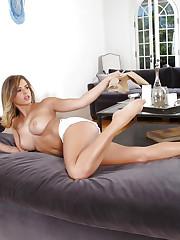 Keisha Grey shows off her big natural boobs