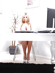 Christine Vinson plays sexy secretary!