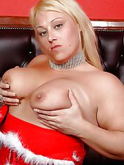Big tits Nikita Devine fucking with toys