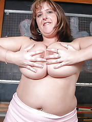 Marie Louise plays with melons and dildo
