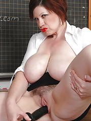 Trudi Stephens having tits and dildo fun