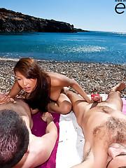 Sharon Lee fucked on the cretan beach by 2 cocks!