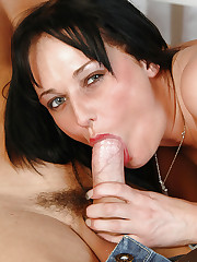 Donna Marie sucking fat prick and riding