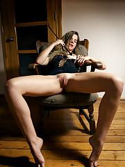 Samantha Shain explores her body and masturbates with a whip