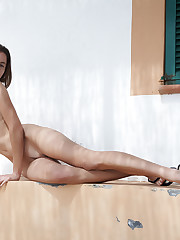 Antea bares her flexible, slender body outdoors.