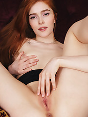 RAVEN with Jia Lissa - Viv Thomas