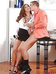 Secretary goes for the sucky sucky