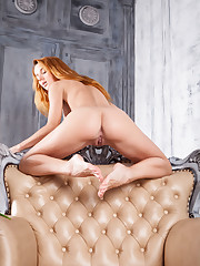 Roberta Berti shows off her gorgeous body and sweet pussy..