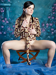 Vikki Mauri spreads her legs wide open baring her pink..