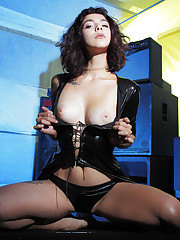 Callista shows off her sexy body and delectable pussy in..