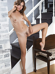 Gracie bares her slender, naked body and trimmed pussy by..