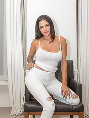 annabelle's white outfit