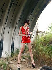 Bree Haze inserts the soda bottle in her pussy.
