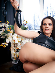 Maria Z put her black dildo in her asshole.