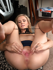 Blonde American Rachel James is always ready to cum..
