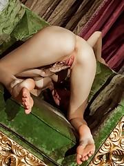 Juliett Lea enjoys sticking her fingers inside her pussy