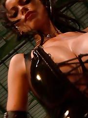 Sweet model Veronika Zemanova shows her secret weapon