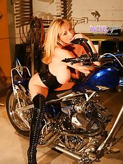 Biker Babe Rachel Aziani