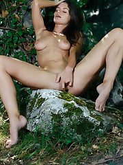 Lana Seymour strips off her lingerie and finger fucks her..