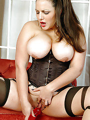 Mellie D shows her juggs and dildo fucks