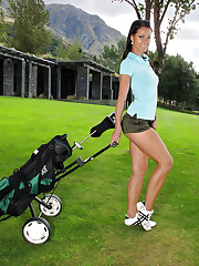 Golfing chick gets a little naughty