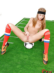 Soccer cutie scores with an orgasm
