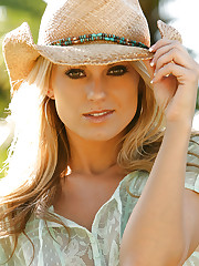 Nicole taps into her inner cowgirl and makes country..