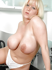 Big melons Cherry B fucking with a dildo