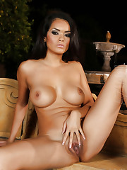Slender sex kitten Daisy Marie will have your cock..