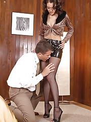 Hot Priscilla gets her feet cummed