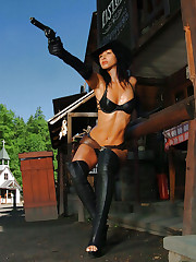 Fit girl Susana Spears in high-heels and leather hat