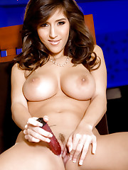 fresh babe April ONeil playing with her pink pussy
