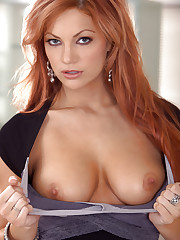 Jayden Cole teases her curvaceous body